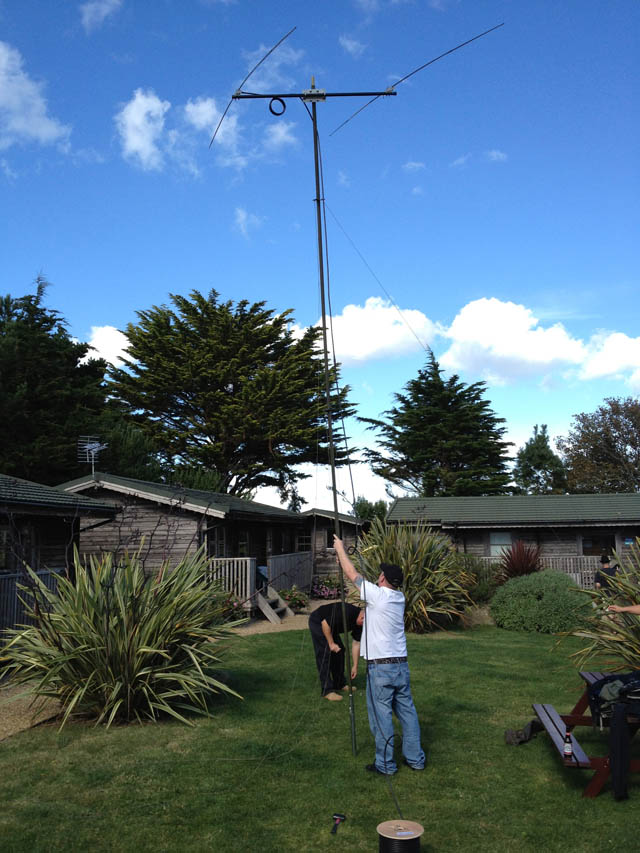 Yan and Chris putting up the homebrew two element 10m beam
