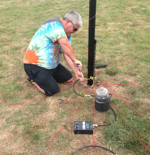 G0MBA adjusts the 80m vertical for best SWR